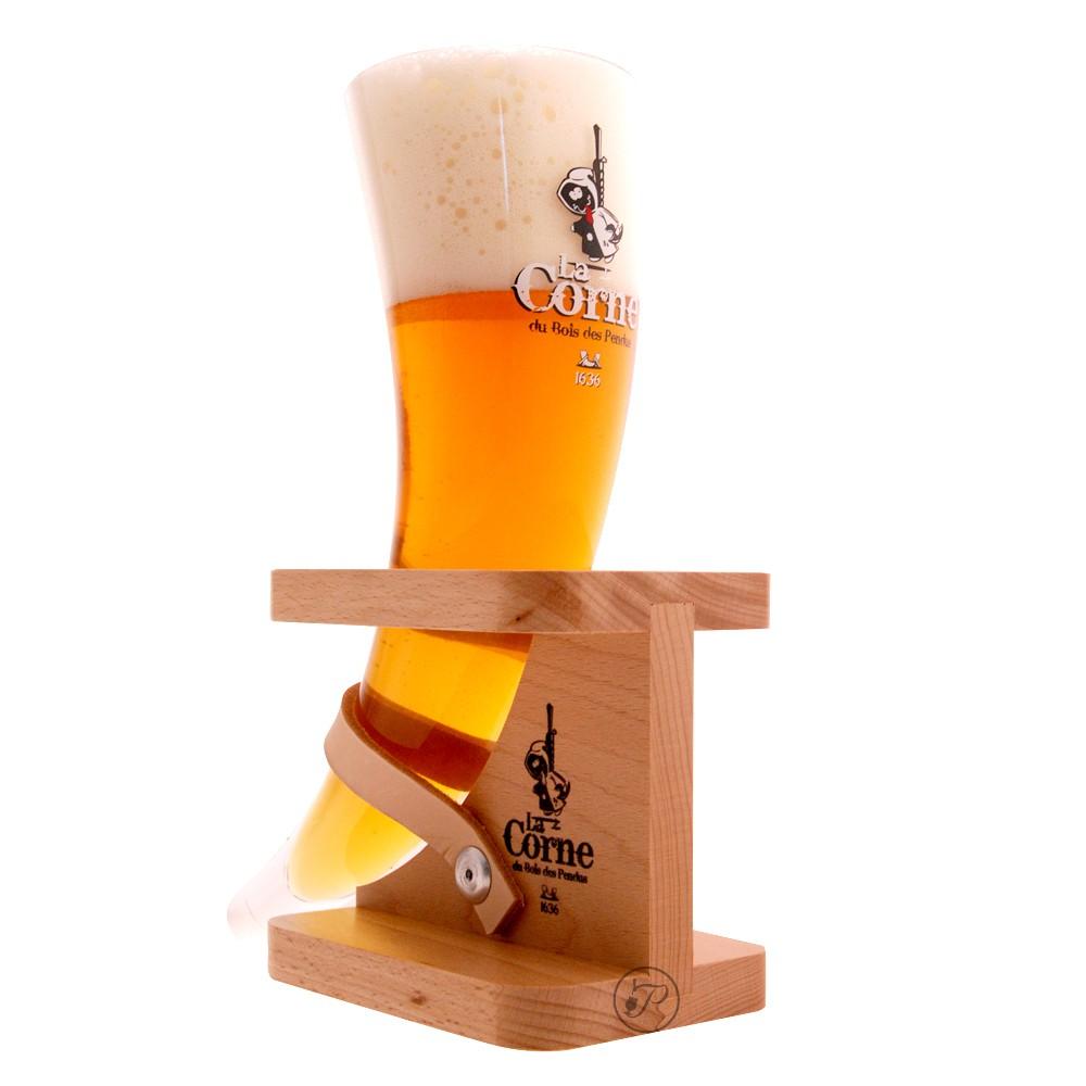 verre a biere en forme de corne
